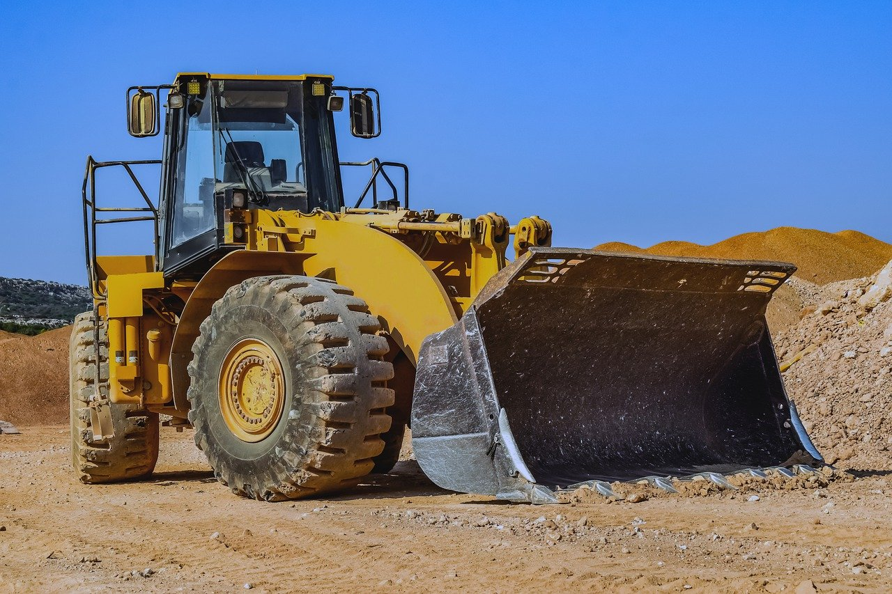 4 Essential Tips for Hiring Plant Machinery and Equipment