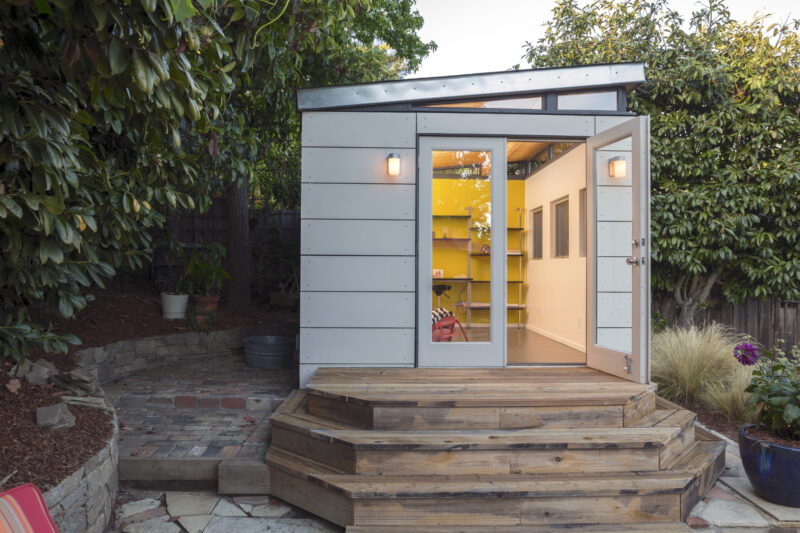 A Guide to Creating the Perfect Backyard Office