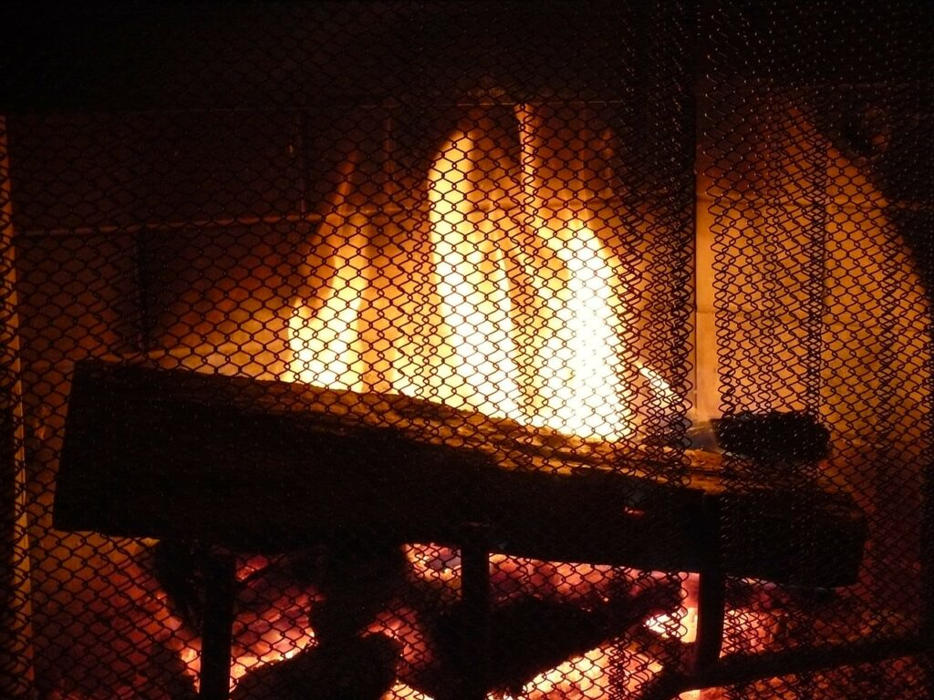 Why Choose Freestanding Fireplace Screens?